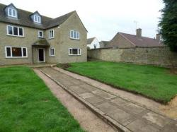 Detached House To Let  Fairford Gloucestershire GL7