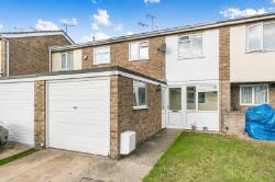 Terraced House To Let  Chestnut Avenue Essex CO15