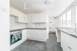 Flat To Let  23 Penfold Road Essex CO15