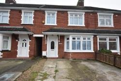 Terraced House To Let   Essex CO15
