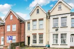 Flat To Let  111 Wellesley Road Essex CO15