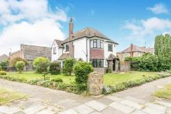 Detached House To Let  Clacton On Sea Essex CO15