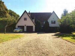 Detached House To Let  Colchester Essex CO7