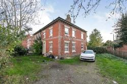 Flat To Let  New Town Essex CO2