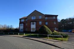 Flat To Let  Friday Wood Green Essex CO2