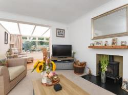 Semi Detached House To Let  Cranleigh Surrey GU6