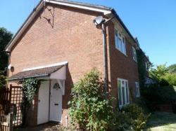 Flat To Let  Farnham Surrey GU9
