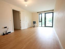 Flat To Let  Horsham West Sussex RH12