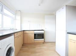 Flat To Let  Jengers Mead West Sussex RH14