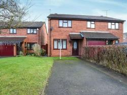 Semi Detached House To Let  Kenilworth Warwickshire CV8