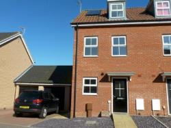 Semi Detached House To Let  Lowestoft Suffolk NR33