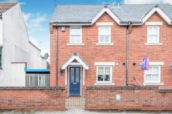 Semi Detached House To Let   Suffolk NR32
