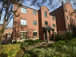 Flat To Let  Manchester Greater Manchester M11
