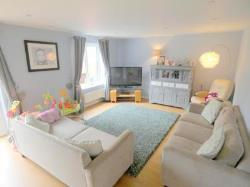 Detached House To Let  Mansfield Nottinghamshire NG19