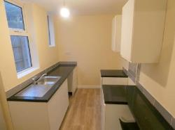 Terraced House To Let   Nottinghamshire NG19