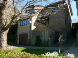 Detached House To Let  New Milton Hampshire BH25