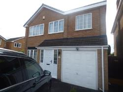 Detached House To Let  Arnold Nottinghamshire NG5
