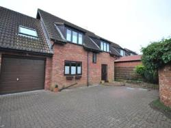 Detached House To Let  Barrow Road Warwickshire CV8