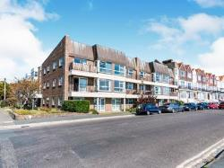 Flat To Let  St Catherines Road Dorset BH6