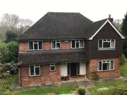 Detached House To Let  Oakhill Road Essex RM19