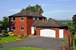 Detached House To Let  Worcester Worcestershire WR2