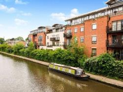 Flat To Let  St Wulstans Court Worcestershire WR5