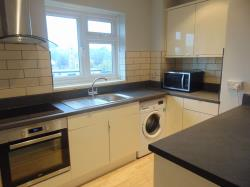Flat To Let  Canterbury Court Kent TN24