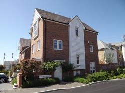 Detached House To Let  Kingsnorth Kent TN23