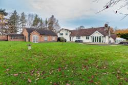 Detached House To Let  PERSHORE Worcestershire WR10