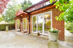 Detached House To Let  Grove Park Greater London E11