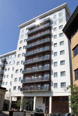 Flat To Let New Road Brentwood Essex CM14