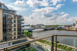 Flat To Let  Commodore House Greater London SW18