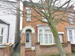 Terraced House To Let  Bedford Bedfordshire MK40