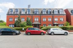 Flat For Sale  BRENTFORD Middlesex TW8