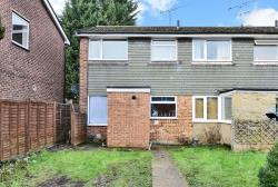 Terraced House To Let  Blackwater Hampshire GU17