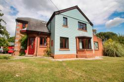 Detached House To Let  Chelmsford Essex CM3