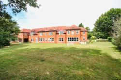 Flat To Let  Danbury Essex CM3