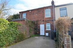 Terraced House To Let Brockwell Chesterfield Derbyshire S40