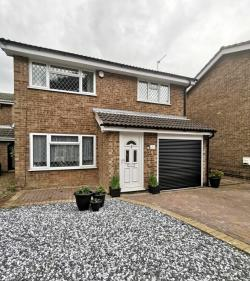 Detached House To Let  Coalville Leicestershire LE67