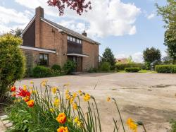 Detached House To Let  Clacton On Sea Essex CO16