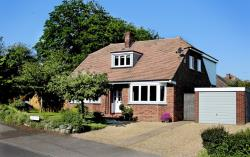 Detached House To Let  Colchester Essex CO3