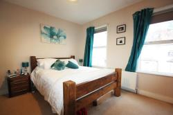 Terraced House To Let  Kenley Surrey CR8