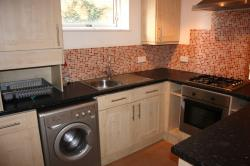 Flat To Let  Bramley Hill Surrey CR2