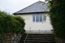 Detached Bungalow To Let  Penryn Cornwall TR10