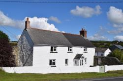 Detached House To Let  Helston Cornwall TR13