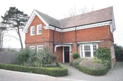 Detached House To Let  Folkestone Kent CT20