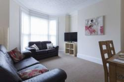 Terraced House To Let Moldgreen Huddersfield West Yorkshire HD5