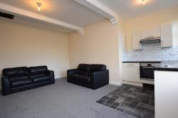 Flat To Let  Huddersfield West Yorkshire HD4