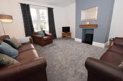 Flat To Let  Edgerton West Yorkshire HD1