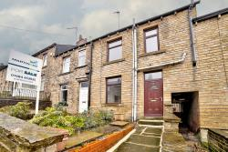 Terraced House For Sale  Moldgreen West Yorkshire HD5